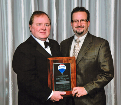 Michael Kearns receives RE/MAX Hall of Fame Award from RE/MAX Chairman and Co-Founder Dave Liniger