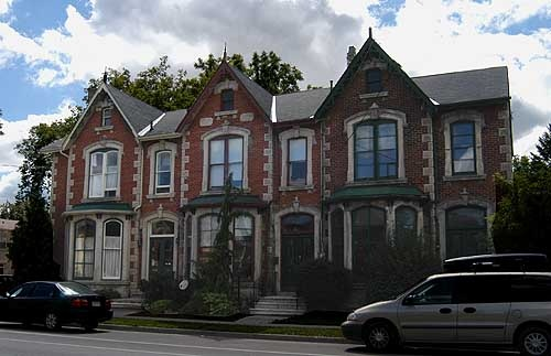 queen_anne_row_houses_500