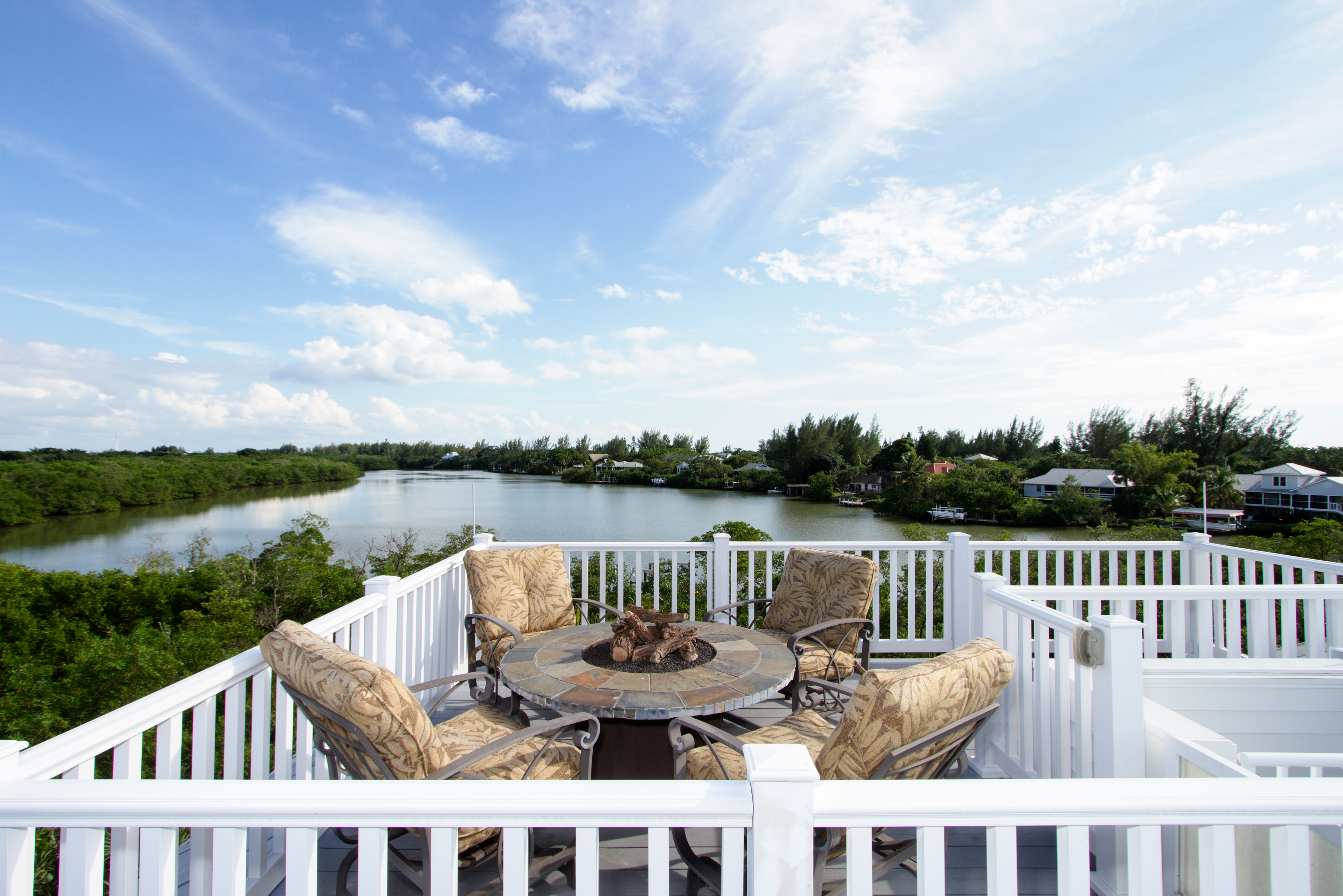 2405 blue crab court sundeck