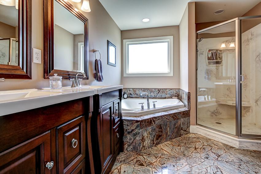 豪华的浴室