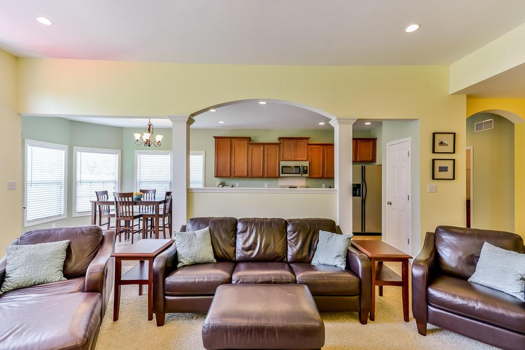 1708 Belay Way Louisville, KY Living Room