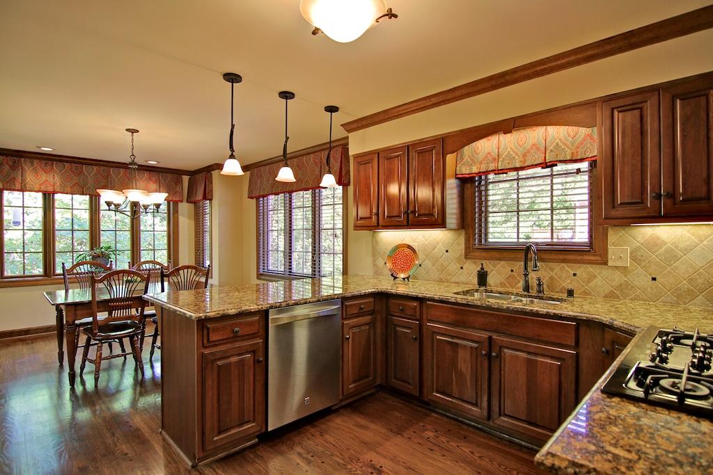 7009 Hadley Court Louisville, KY Kitchen