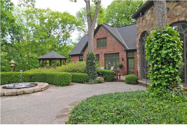 Indian Hills Homes for Sale Louisville, Kentucky