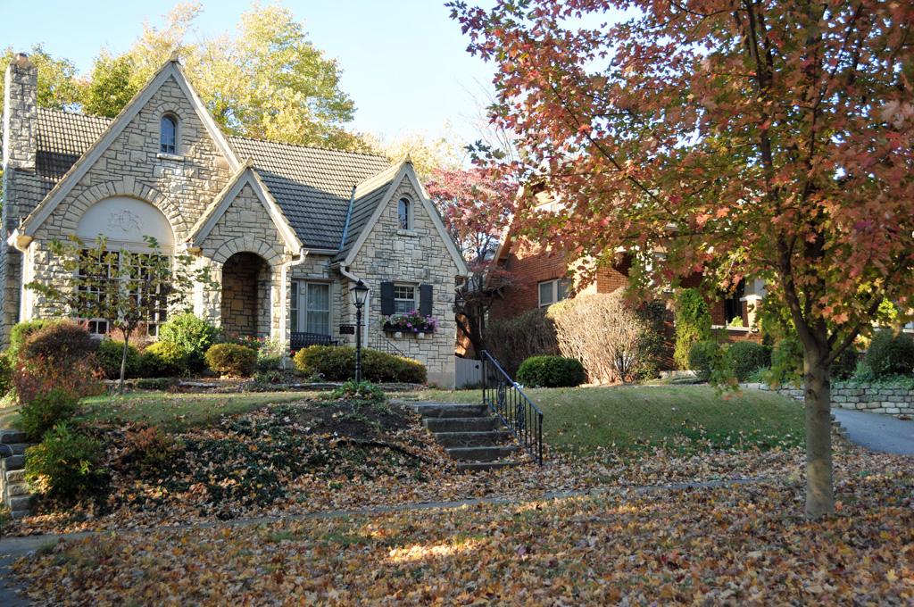 Historic home in Riedlonn neighborhood along Riedling Dr Louisville KY