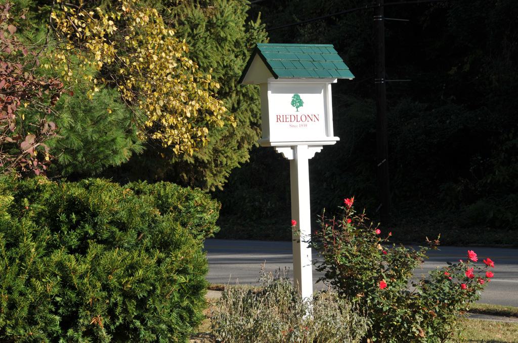 Sign for Riedlonn Neighborhood Louisville KY