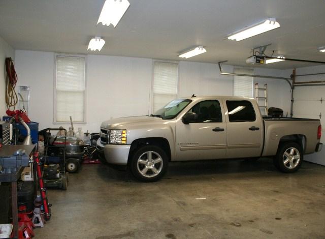 11615 Chenoweth Hills Louisville KY garage