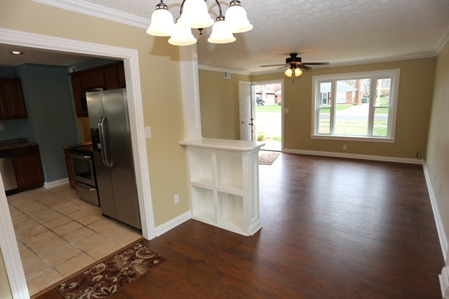 dining at 9609 Galene Dr