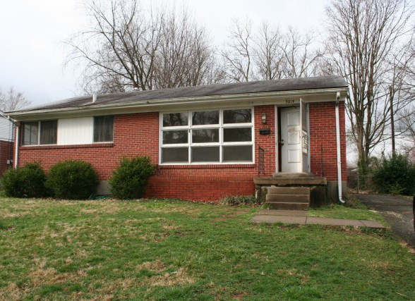 Front view of 3214 Radiance Louisville KY