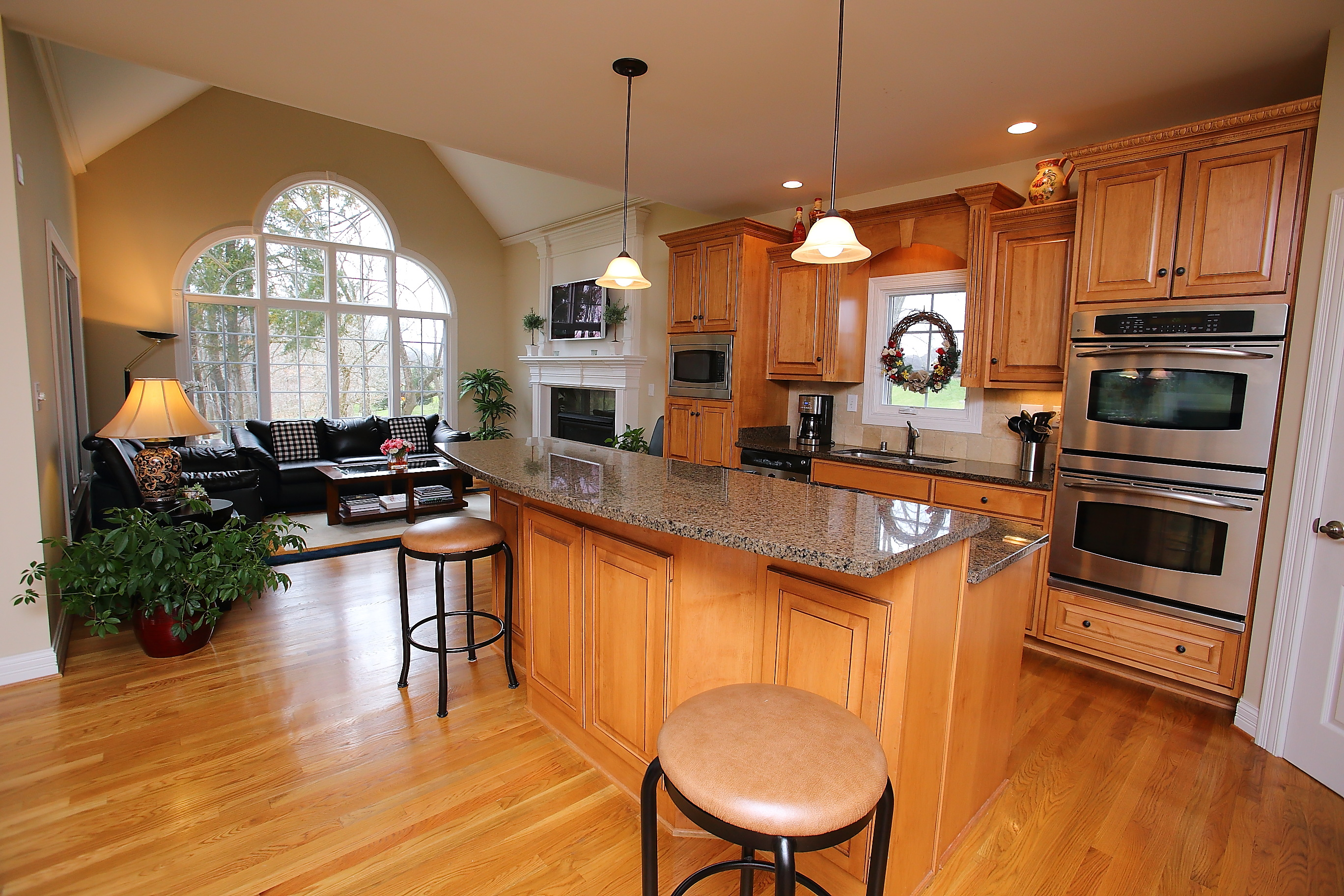 1902 Ashford Dr Kitchen