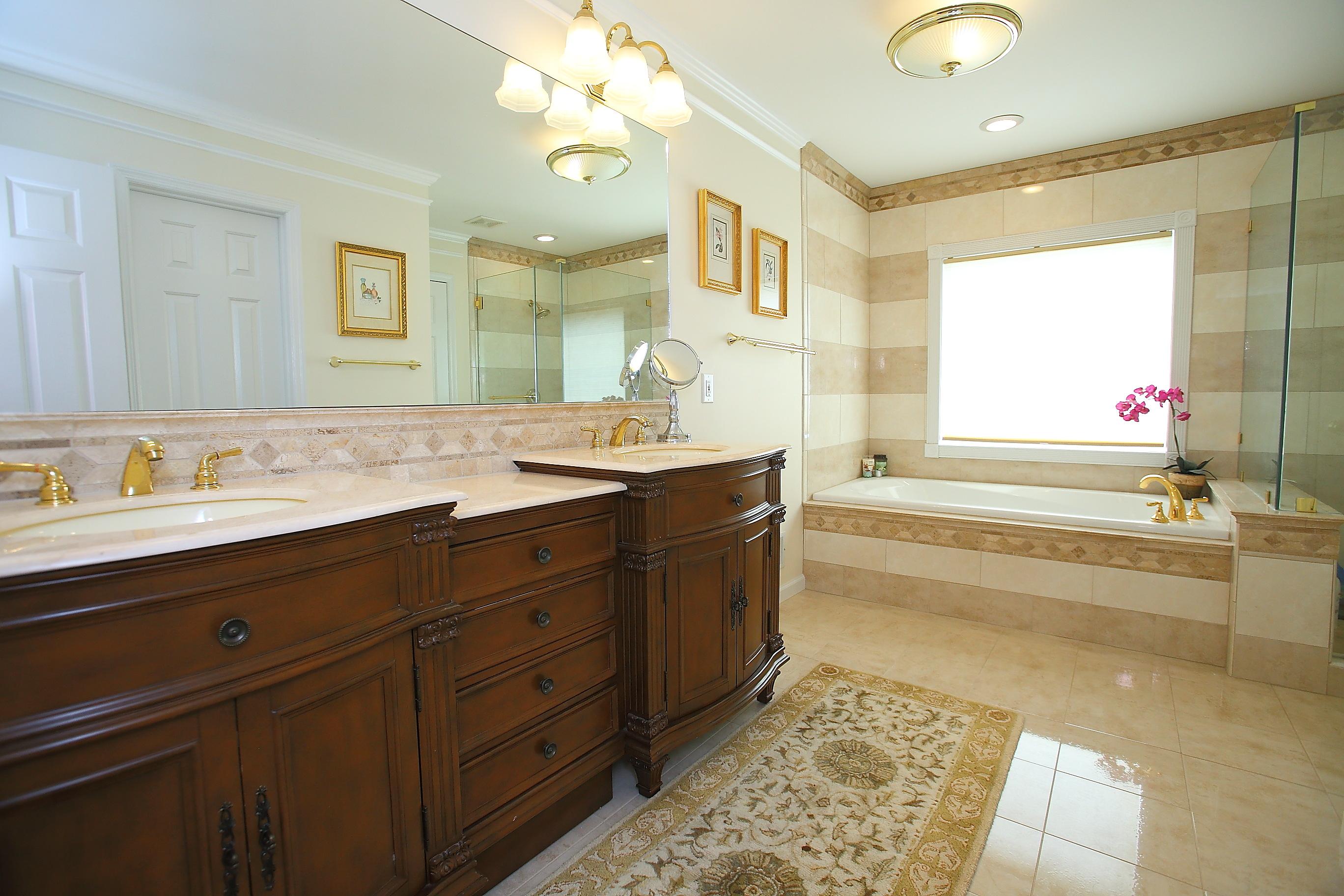 9831 White Blossom Blvd Bathroom