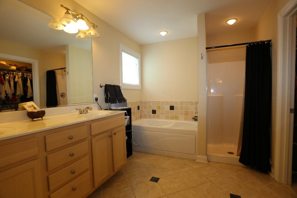 6031 Sweetbay master bath