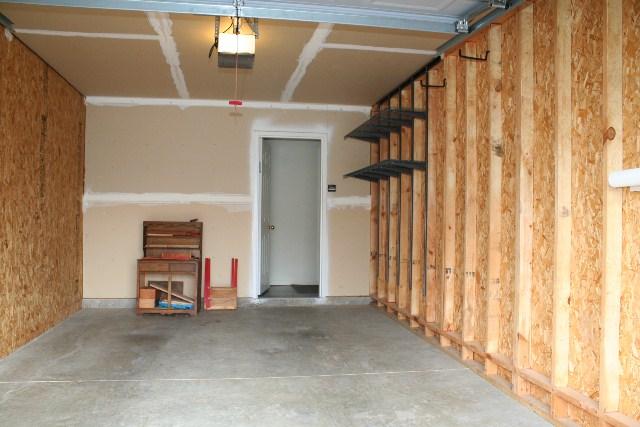 10401 Trotters pointe garage