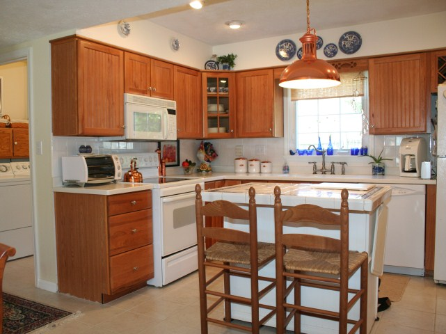 Kitchen on 309 Revolutionary Rd