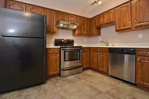 106 Algiers Ct #8 Kitchen
