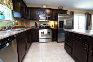 128 Berger Farm Dr Kitchen