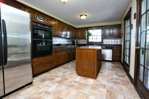 1499 Stringer Ln Kitchen