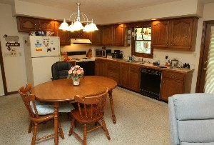 1616 Overstreet Ln Kitchen