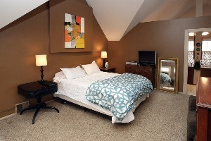 2342 Strathmoor Blvd Louisville Ky Master Bedroom