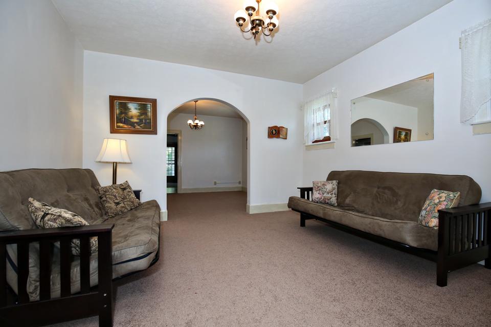 2348 Dorma Ave Louisville KY 40217