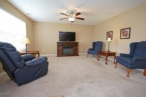 250 Mallard Lake Blvd, Shepherdsville, KY 40165