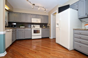 2810 Bradford Grove Ln Kitchen