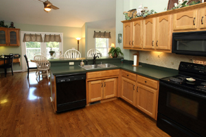 3110 Pioneer Pl Kitchen