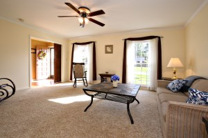 3112 Carriage Hill Living Room