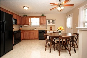 327 Oak Grove Blvd Kitchen