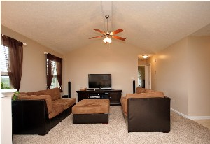 327 Oak Grove Blvd Great Room