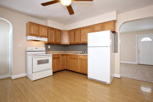 3306 Janell Rd Kitchen