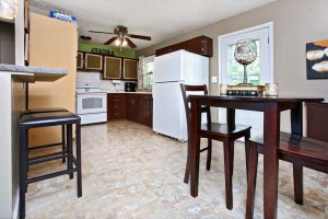 3516 Lisbon Ln Kitchen