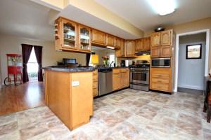 353 Chenoweth Kitchen