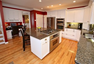 3904 Smith Grove Way Kitchen