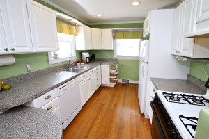 4018 Hillsboro Kitchen