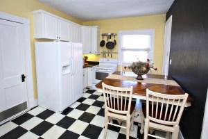 4030 Crawford Ave Kitchen