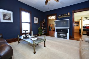 4030 Crawford Ave Living Room