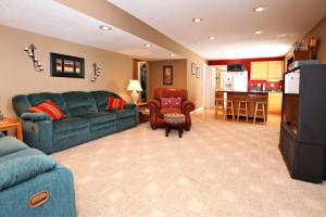 40 Benjamin Blvd Basement Great Room