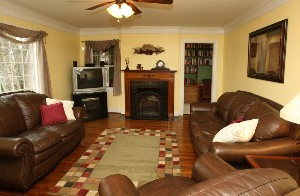 4209 Breckenridge Ln- Living Room