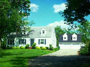 4209 Breckenridge Ln Front of Home