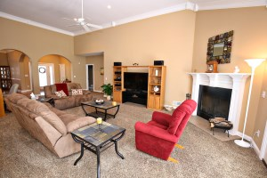 4425 Mansfield Estates Living Room