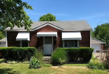 Front View of 4923 Lagoona Drive