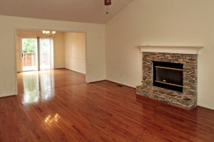 5022 Oakbrook Dr Great Room