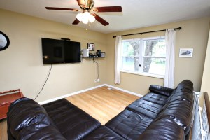 5604 Dea Dea Dr Living Room
