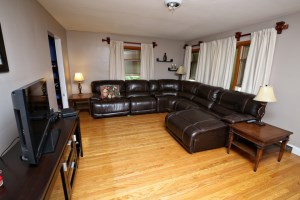 6006 Tralee Ln Living Room