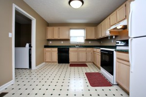 6705 Kings Falls Kitchen