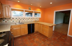 710 Chamberry Dr Kitchen