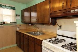 7110 Ethan Allen Way Kitchen