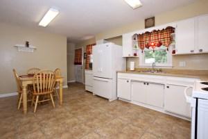 7917 Poinsettia Dr Kitchen