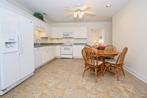 7923 Stovall Ct Kitchen