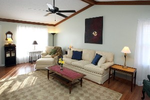 8717 Deer Point Ct Living Room